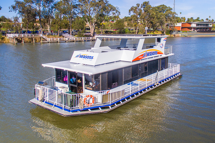 Official website | Shannon Houseboat 2-8 berth | All Seasons Houseboats