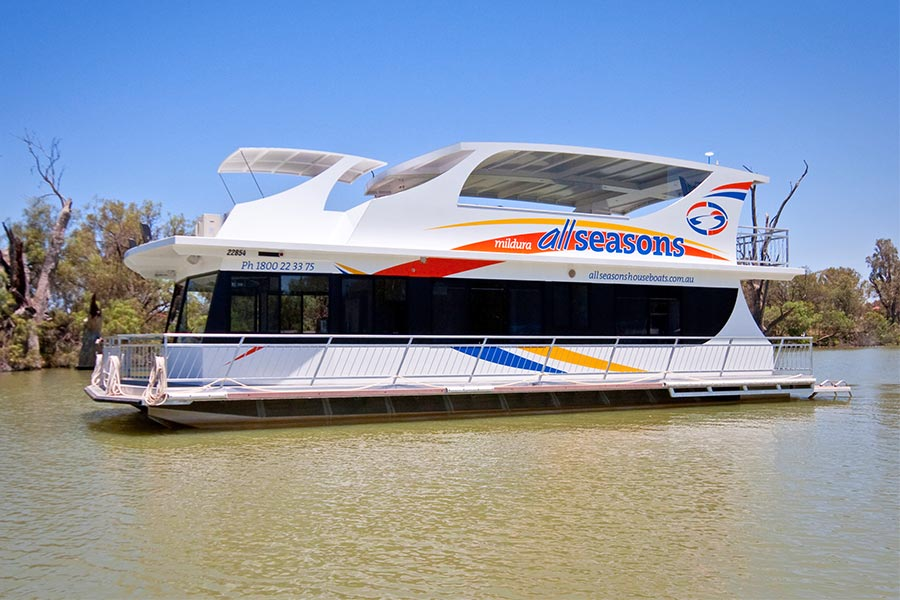 Book direct & save. Sweet Indulgence Houseboat 10 berth | All Seasons Houseboats
